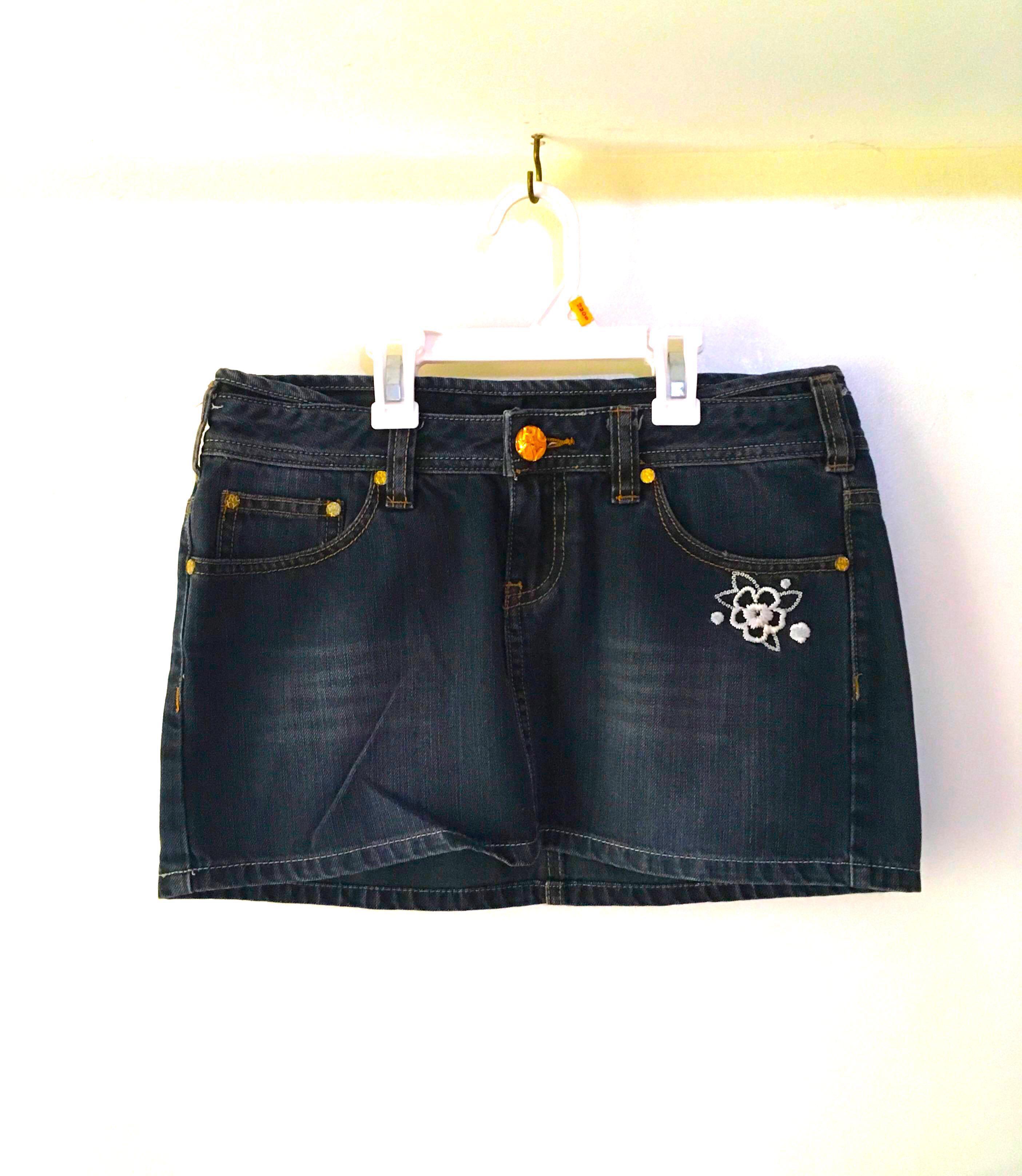 Charity Sale! Authentic Roxy Denim Mini Skirt Size 3 Women