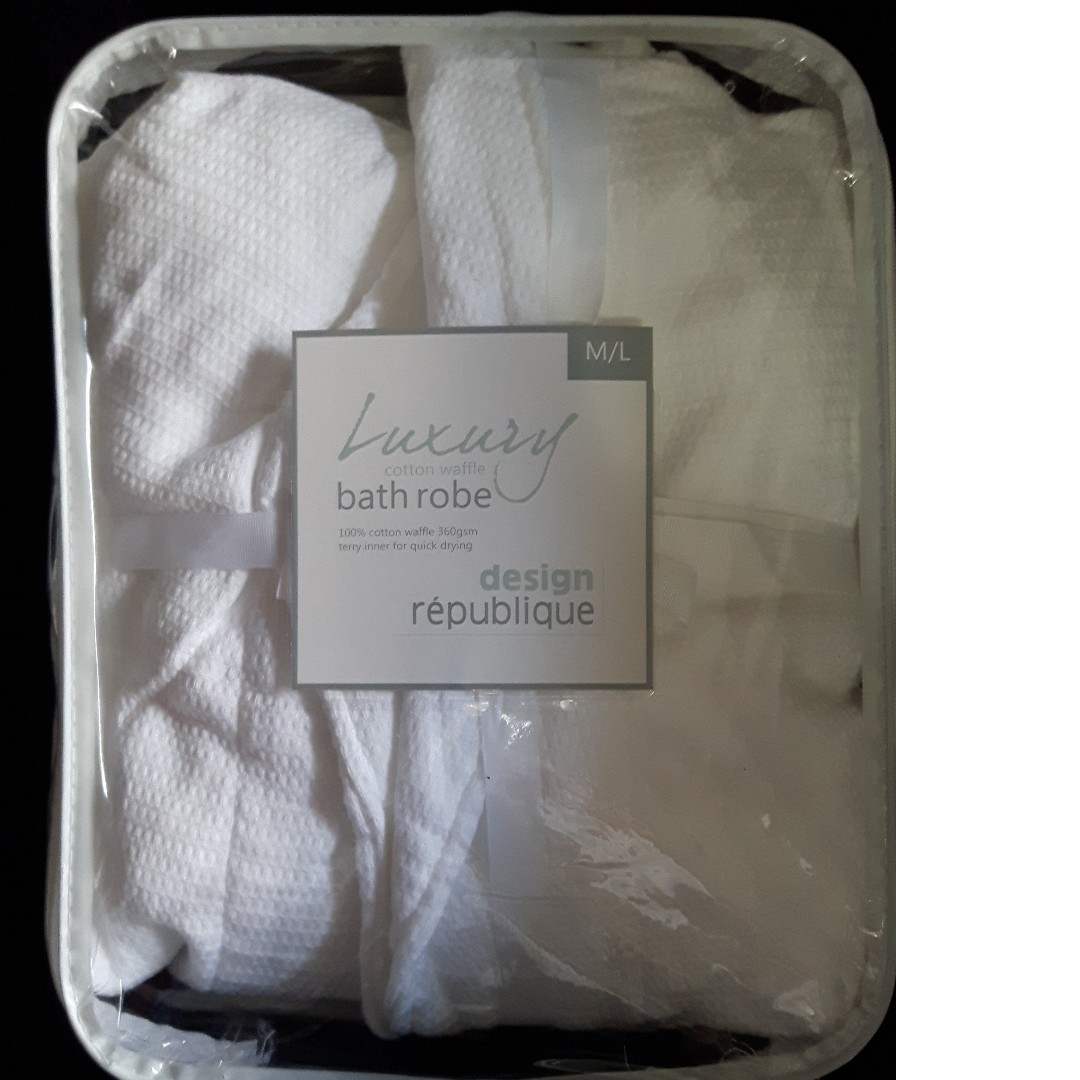 Luxury cotton bathrobe (new but package opened) enbroided rachyboo