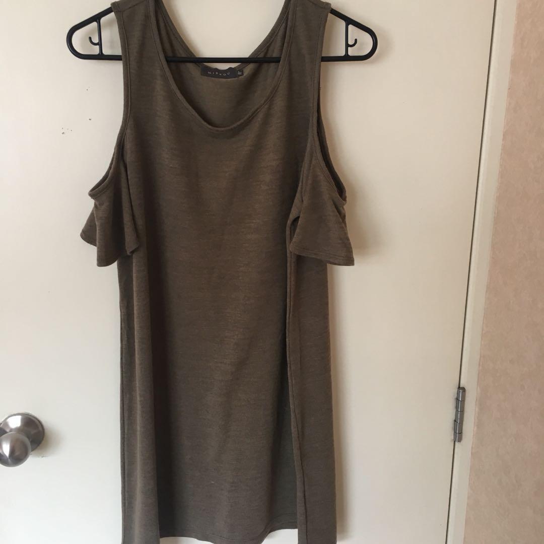 mirrou dress (cut out shoulders)