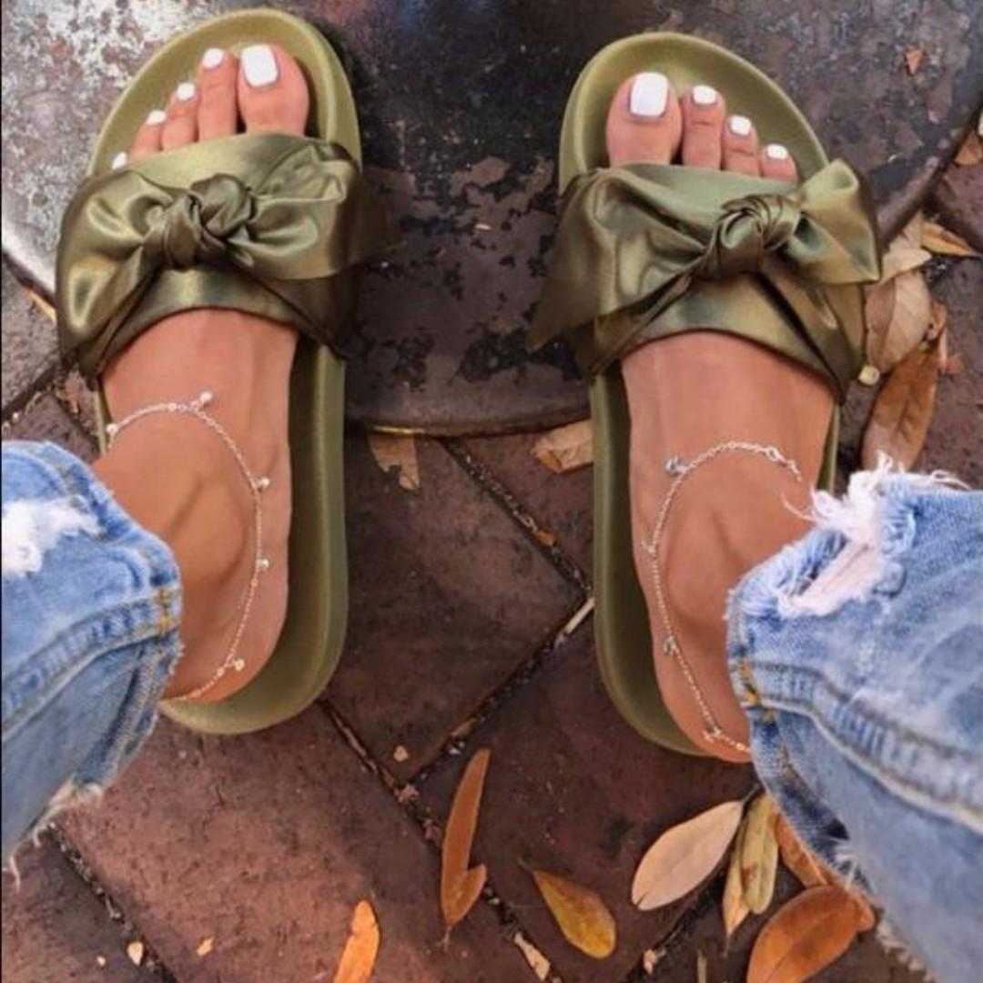info for 825a3 7c621 Puma Fenty x Rihanna Bow Slide Olive Branch, Women's Fashion ...
