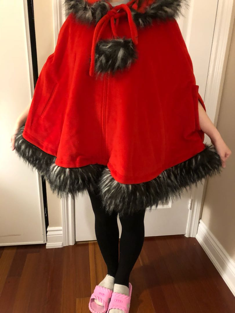Red poncho with detachable faux fur