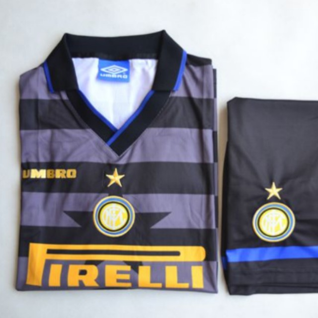outlet store 2d8da 6a269 Retro Inter Milan 97 / 98 home jersey with shorts, Men's ...