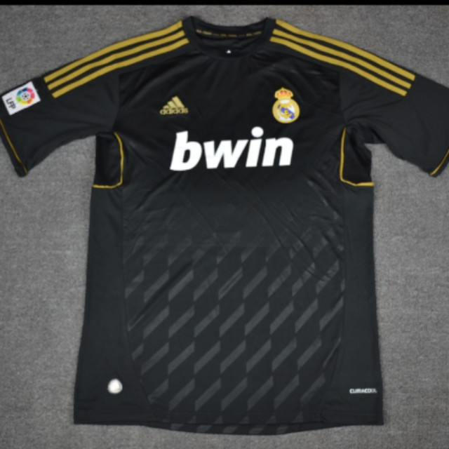Retro Real Madrid 11   12 away jersey 390be3e97