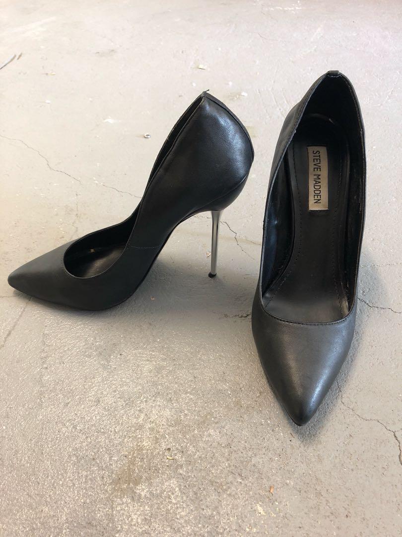 Steve Madden Black Point Heels