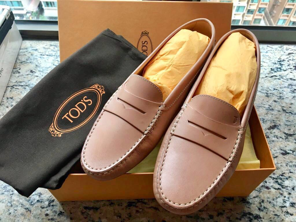 TOD'S Gommino Leather Loafers 豆豆鞋 Size 40 (100%New) with Receipt