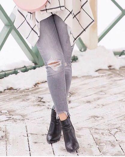 Zara Distressed Jeans
