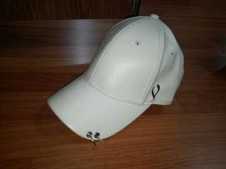 Topi putih