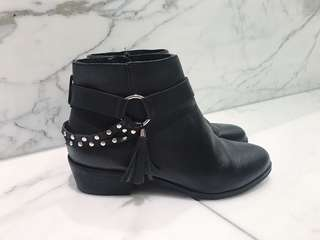 Chinese Laundry ankle boots size 6.5