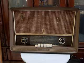Philips Antique Radio
