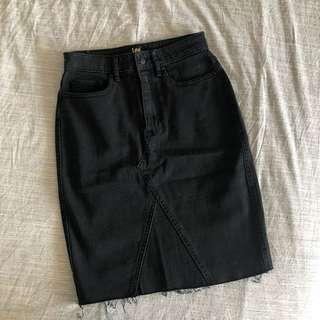 Lee Charcoal Denim Skirt (aus 8/ xs)