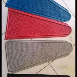Vespa VBA VBB VNB deck rubber mat