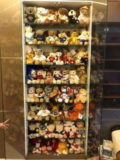Collection of Hard Rock Cafe limited bears