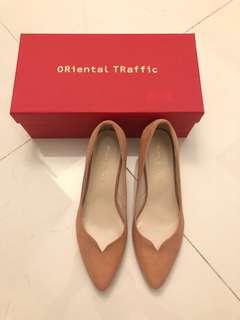 Oriental Traffic 粉裸色 猄皮 高跟鞋