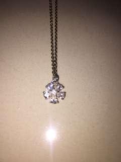 Forever 21 flower diamond necklace