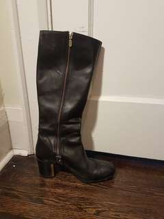 Browns black boot with gold heel detail size 39 (8.5/9)