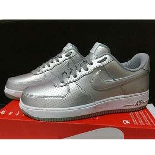 🚚 Nike Air Force 1 07 LV8 太空銀