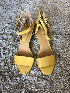Nine West Sandals / Wedges (size 7.5)
