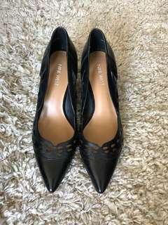 Nine West Black Pumps (size 7.5)