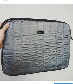 Tumi zip around nylon laptop sleeve