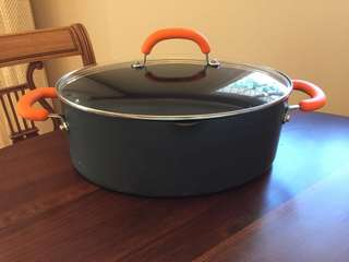 Rachael Ray Covered Oval Pasta Pot