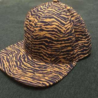 H&M   老虎 紋樣 棒球帽