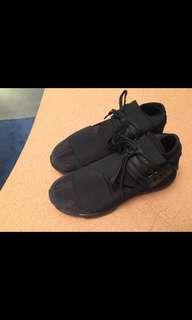 Y3 size 7.5 gently worn