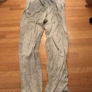 tna aritzia sweat pants!