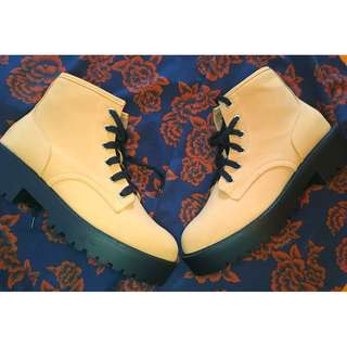 90's Inspired Low Ankle Chunky Hiker Boots Size 8