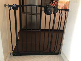 Used lucky baby safety gate