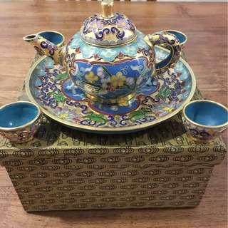 Chinese Teapot Set engrave with blue flowers