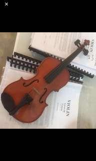 Used Violin various sizes 1/8, 1/4, 1/2, 4/4