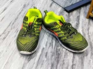 Kronos running shoe