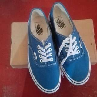 AUTHENTIC Vans not NIKE or Adidas