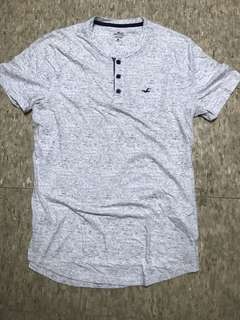 Hollister grey and white colour tee Size M