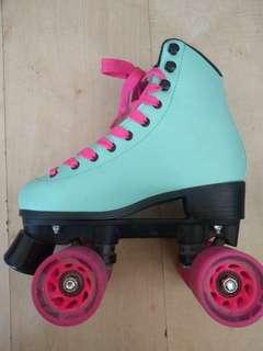 Chasor Roller Skates