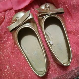 DOLL SHOES (GOLD)