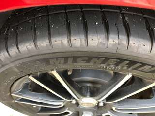 Selling Michelin PS4 tyres and Enkei rims