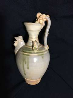 Song Dynasty Small Teapot 20cm high with dragon n chicken . 宋代文物小壺