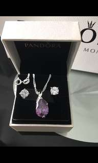 $28 INSTOCKS (Brand new) S925 Silver Swarovski crystals necklace!