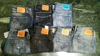 便宜賣Levis各式牛仔褲 上排:303031腰 下排:都34腰