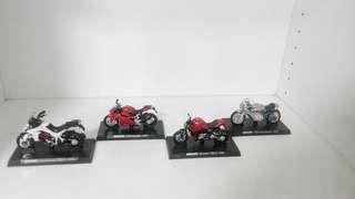 Ducati摩托車模型4臺