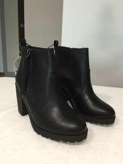 Brand New H&M Ladies Boots