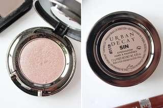 URBAN DECAY Eyeshadow - SIN (shimmery pink)