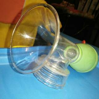 Infant nursing and feeding set