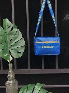 《代購》IKEA LOGO 斜背包 (大)