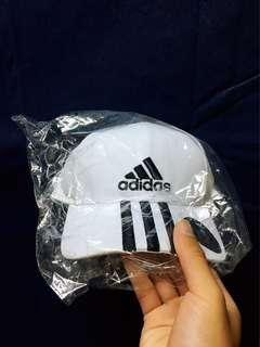 全新Adidas老帽