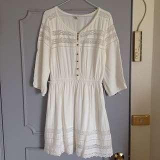 FOREVER 21蕾絲洋裝,L。肩寬42公分、胸寬50,長86