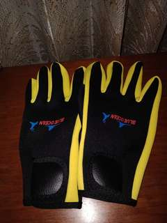 Scuba diving gloves import
