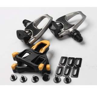 Shimano R540 SPD-SL Clipless Road Pedals W/Cleats  (Out of Stcok)