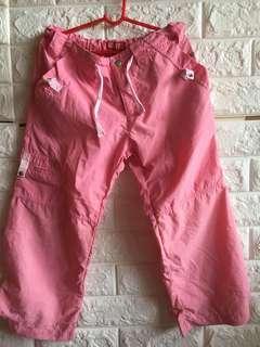 薄粉色防風褲